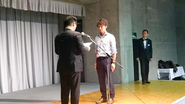 平成28年度兵庫県青年部連合会 商人ネットワークに宍粟市商工会青年部の榎元貴治君が出場し、最優秀賞をいただきました。
